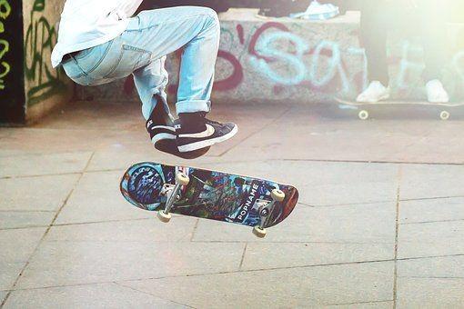 skateboarder-2373728__340